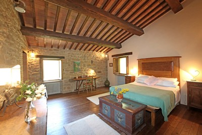 Altabella Villas Bordering Tuscany And Umbria La Pietra