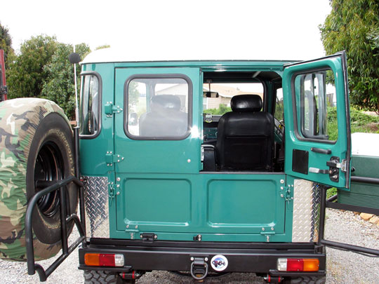 Deckers FJ40 Land Cruiser Half Ambulance Doors