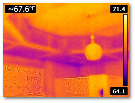 Thermography of incorrectly insulated knee wall