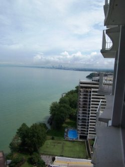 Marine Towers East Condos for Sale