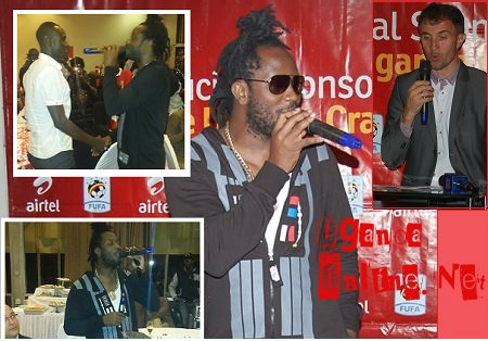 Bebe Cool performing for the Uganda Cranes players