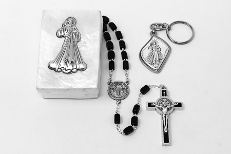 Divine Mercy Rosary Gift Set.