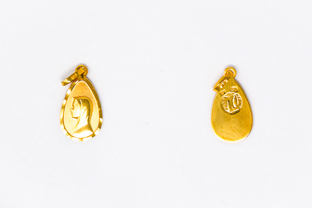 18 kt Gold Virgin Mary Pendant.