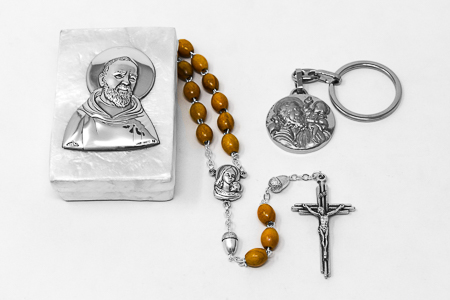 St Pio & St. Christopher Gift Set.