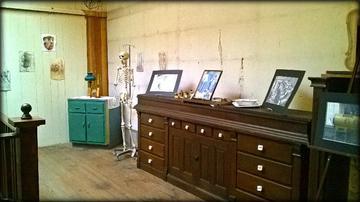 1800's doctor's office setup