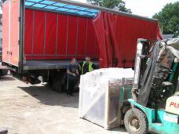 Palletline delivery truck