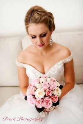 Hot Brushes - Mobile Wedding Hair and Makeup Artist - Sunshine Coast, Noosa, Caloundra, Maleny, Maroochydore, Mooloolaba, Redcliffe, Caboolture - Wedding ...